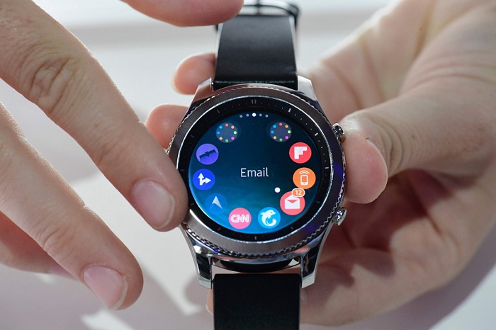 FILES-GERMANY-IT-SHOW-SMARTWATCH