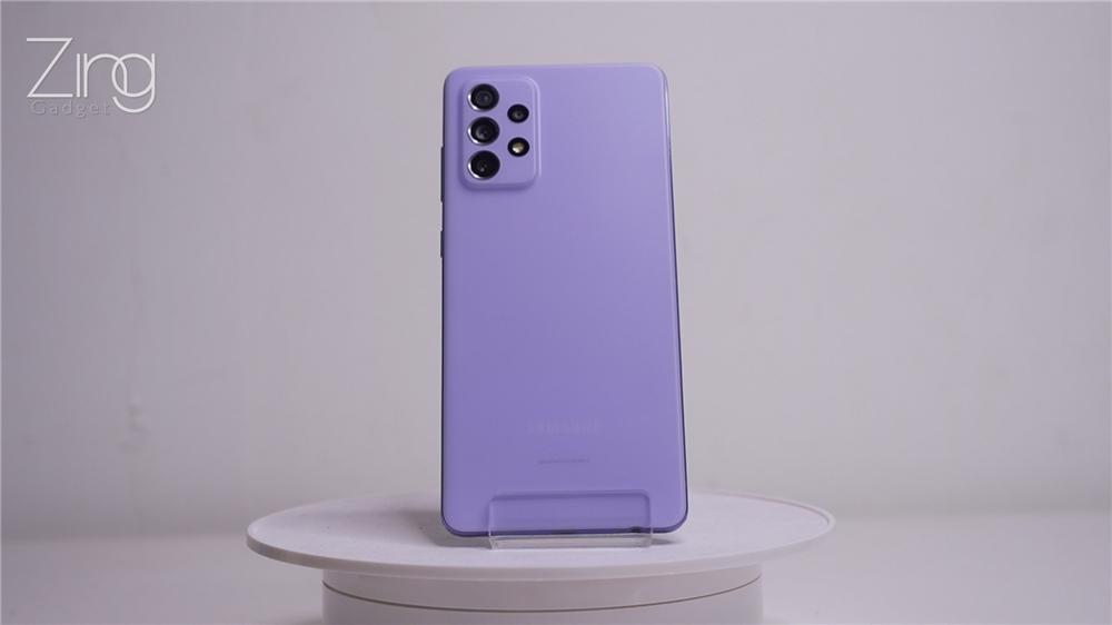 """三星 Galaxy A52、A72快速上手:简约设计+磨砂背盖,外观配置都很像的""""双胞胎""""究竟有什么区别?"""